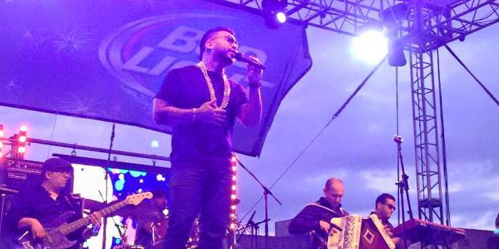 Ricky Valenz peforms at 2015 Tejano Explosion in San Antonio on April 21, 2015. (Ricky Valenz Facebook)