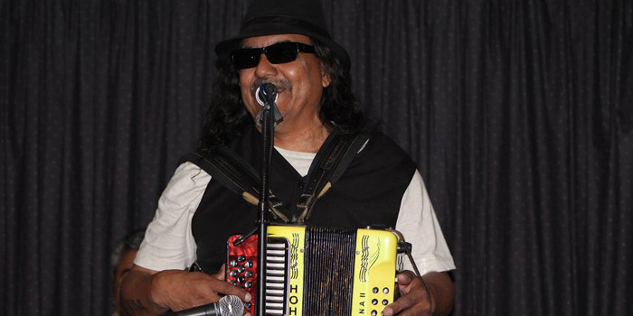 Marcelo Gauna performs at The Moose Lodge in April 2015 (Facebook photo)