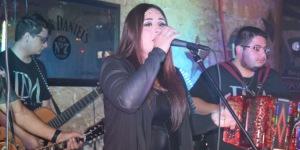 Di Marie performs at Cadillac Bar in San Antonio on July 3, 2016. (Fanny Gurl / Tejano Nation)