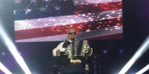Sunny Suaceda performs national anthem at 2016 Tejano Music National Convention in Las Vegas on August 5, 2016. (Facebook / Sunny Sauceda)