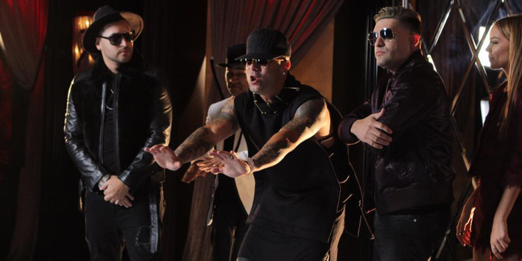 Play-N-Skillz with Wisin, Frankie J and Leslie Grace on the set of the video for 'Si Una Vez'. (Facebook/Play-N-Skillz)