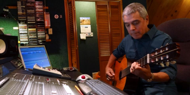 gilbertvelasquez-guitar-studio