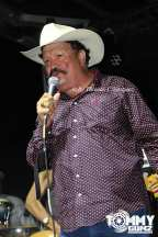 Roberto Pulido performs in Temple, Texas on July 21, 2018. (Photo by Tommy Gunz)