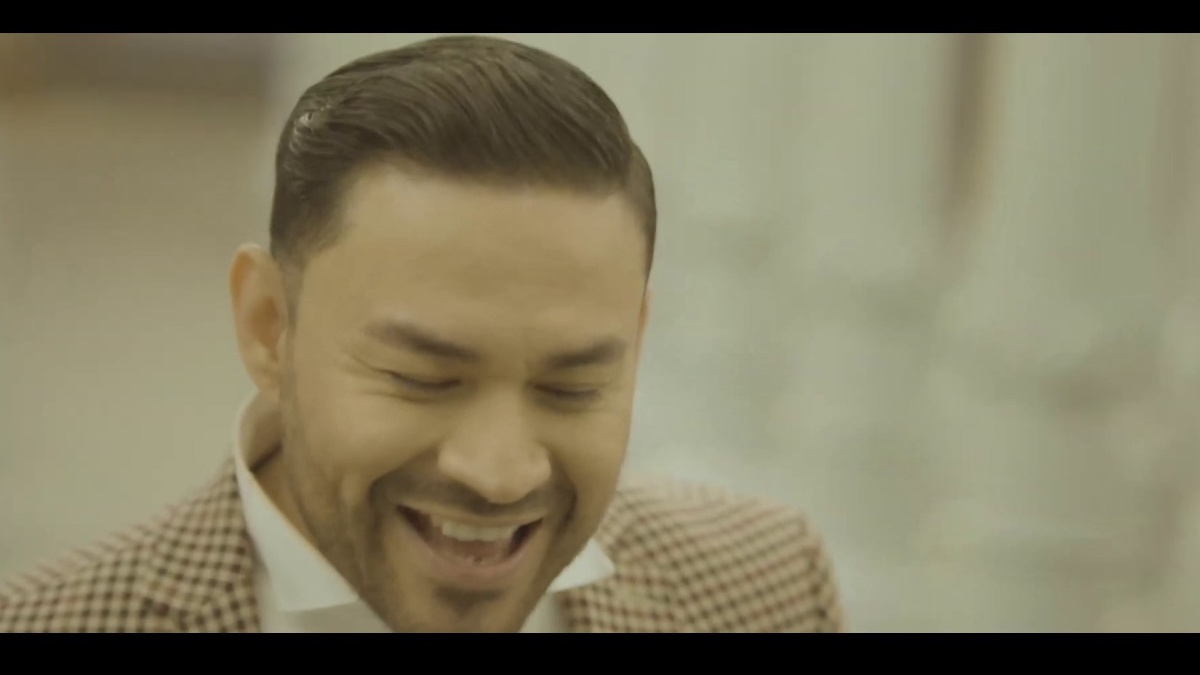 Frankie J releases slick, suave video for 'La Farsante'